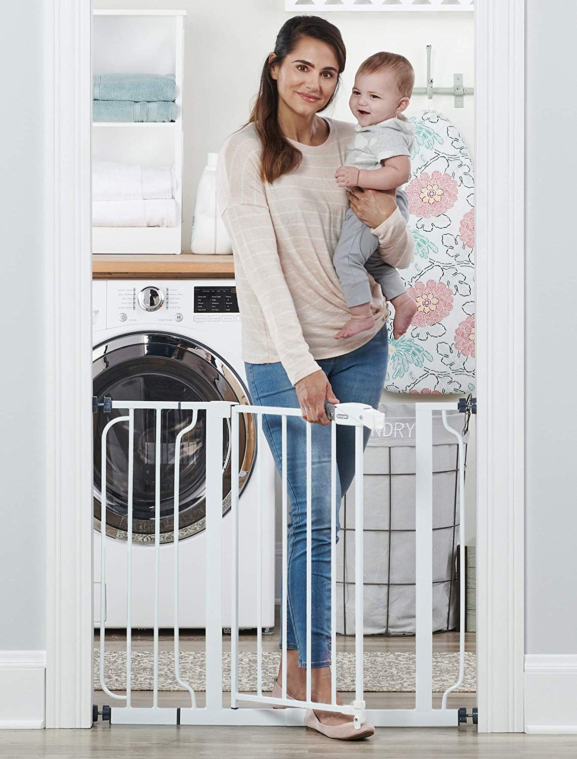 Baby Gate with Walk-Through (Regalo) Image